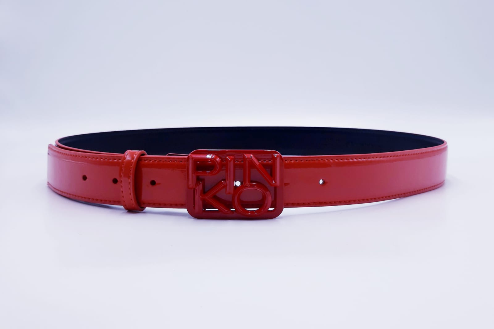 Cintura bassa in vernice fibbia logo Pinko