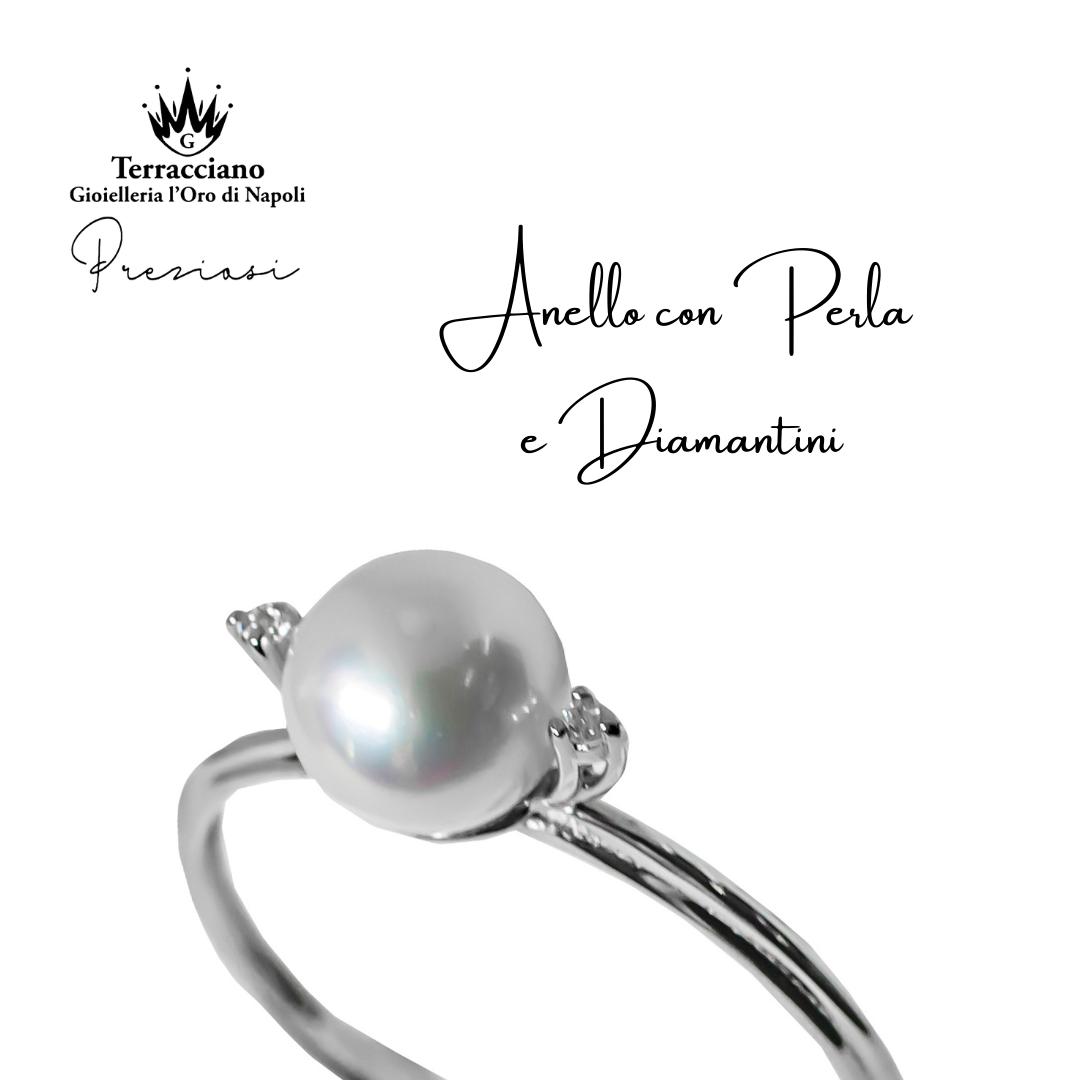Anello in oro  con Perla e diamantini