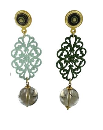 Orecchini pendenti in metallo smaltato verde con pendente di onice