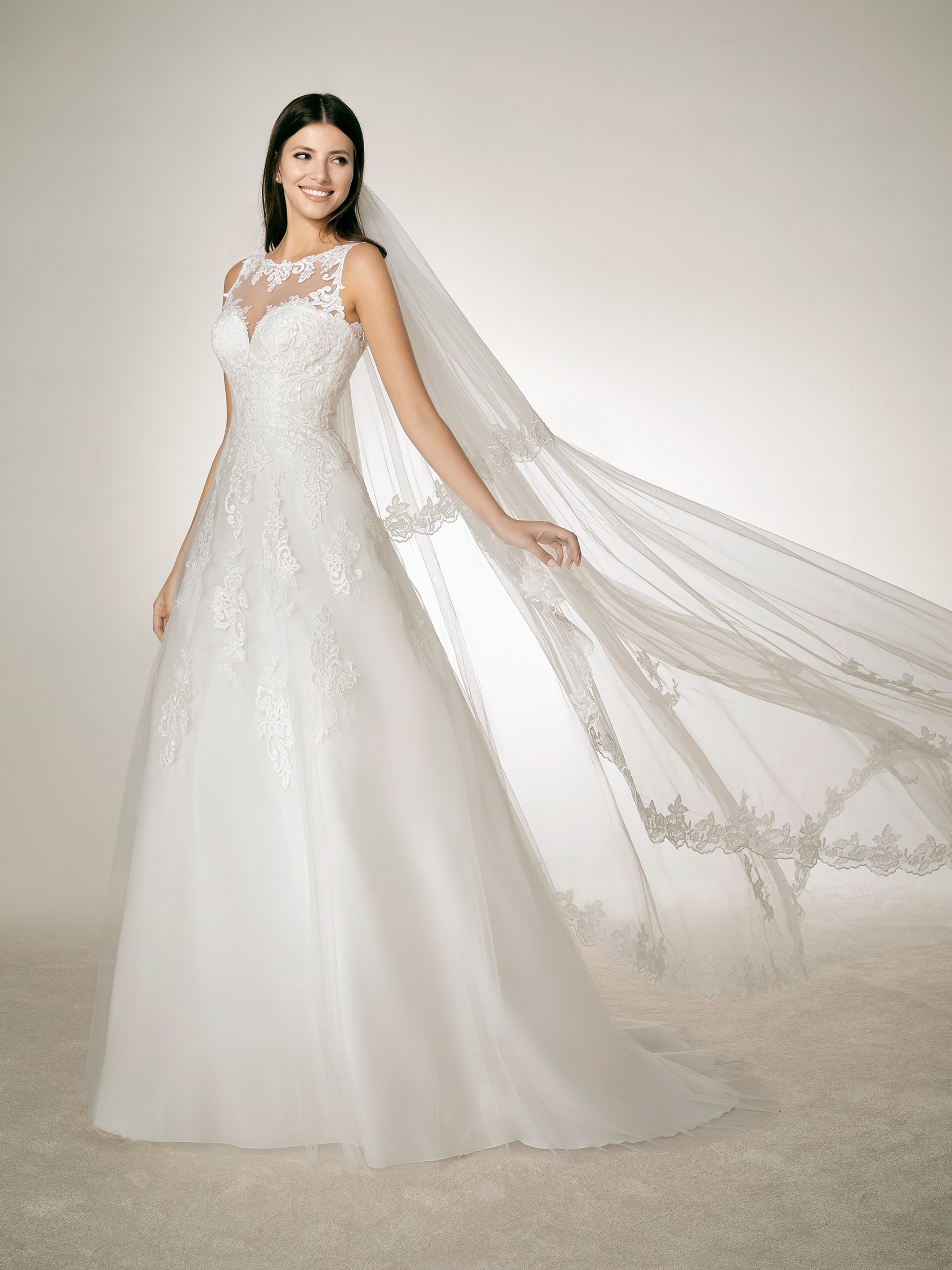 Abito sposa mod. LAU linea WHITE ONE - PRONOVIAS