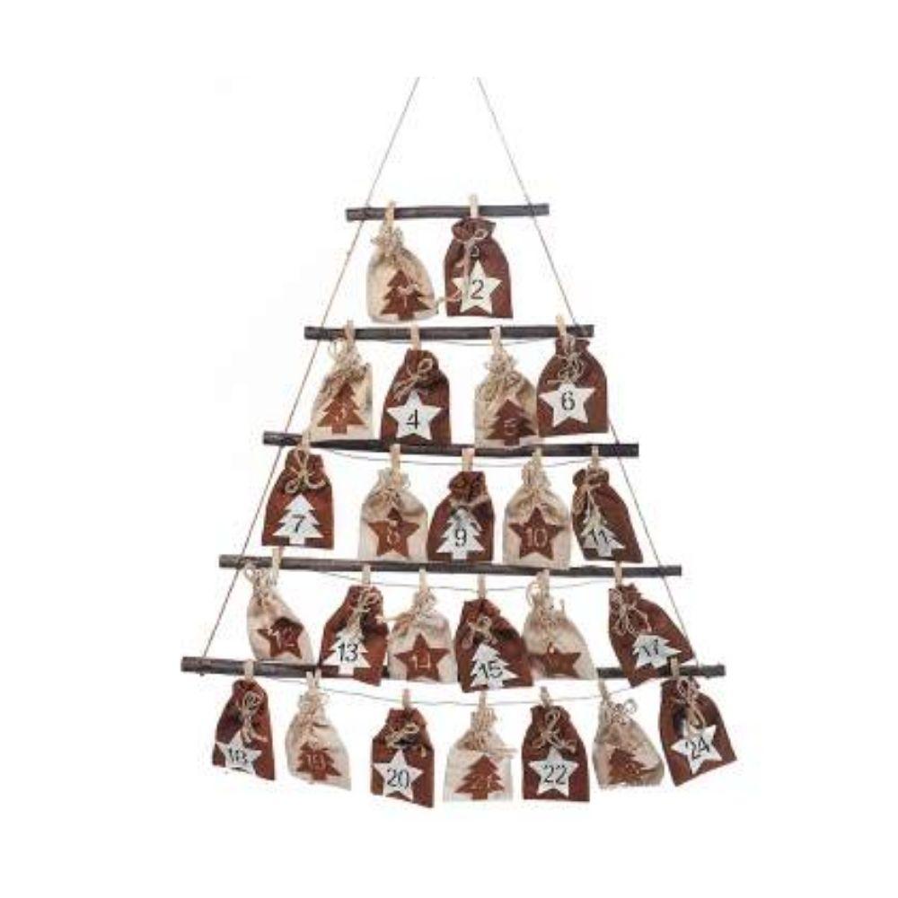 Calendario dell'Avvento ad albero con sacchettini e legnetti
