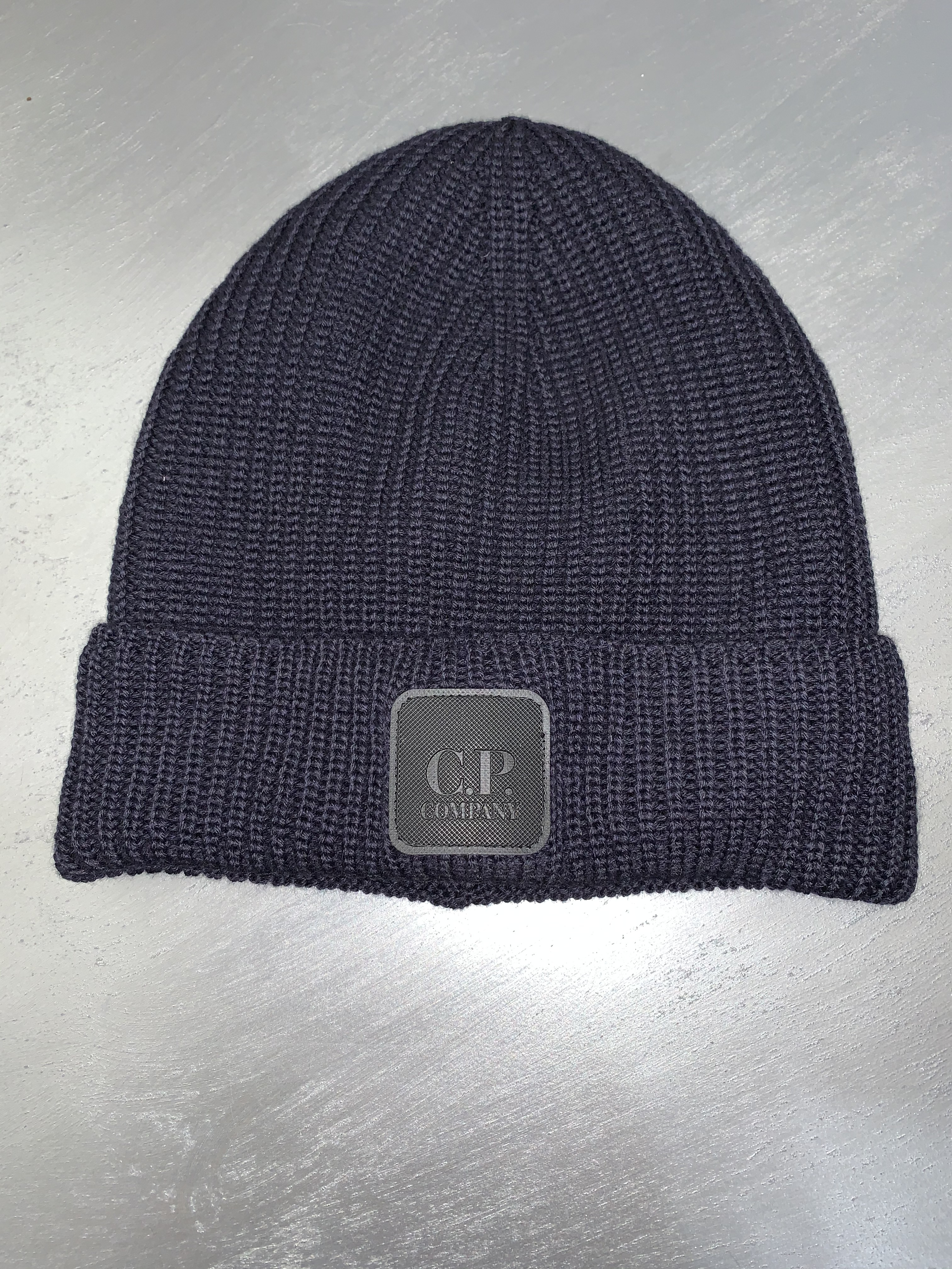 SHOPPING ON LINE CP COMPANY BERRETTO MERINO WOOL  BADGE BEANIE NEW COLLECTION MEN FALL WINTER 2020/2021