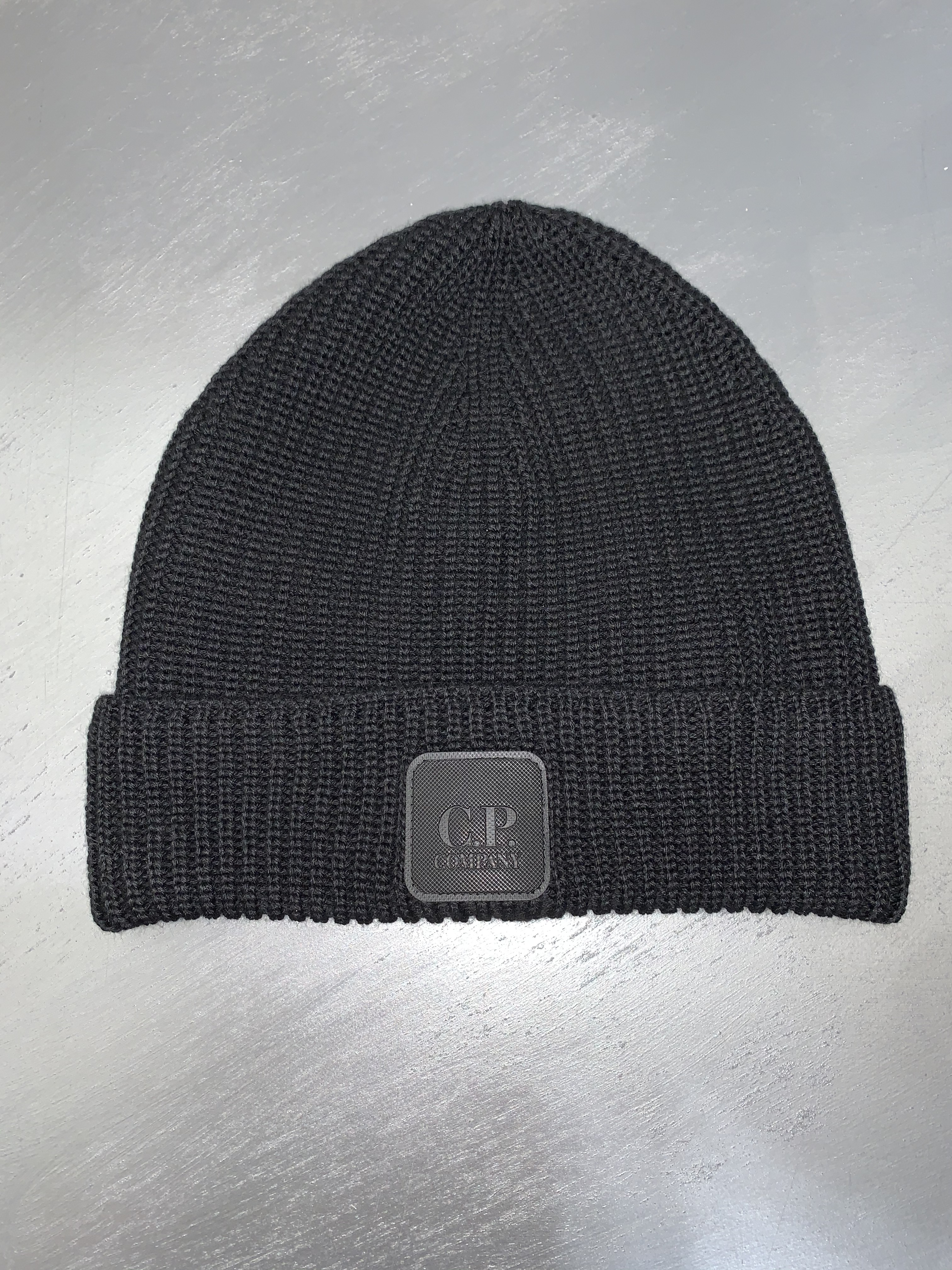 SHOPPING ON LINE CP COMPANY BERRETTO MERINO WOOL LOGO BADGE BEANIE NEW COLLECTION MEN FALL WINTER 2020/2021