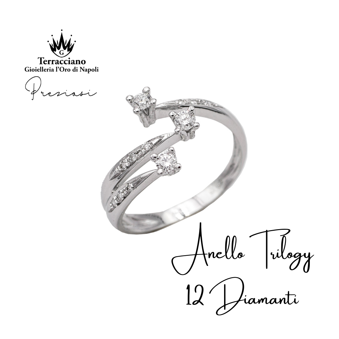 Anello Trilogy con 12 Diamanti