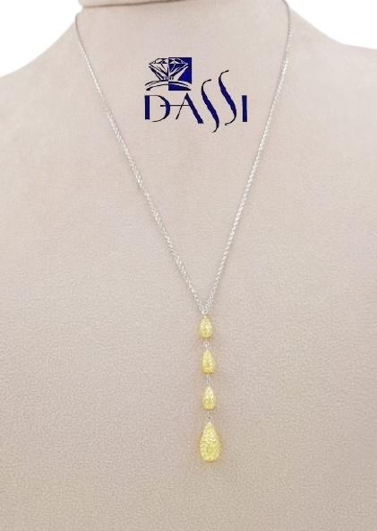 Girocollo in oro bicolore 18kt composto da una catena rolò in oro bianco