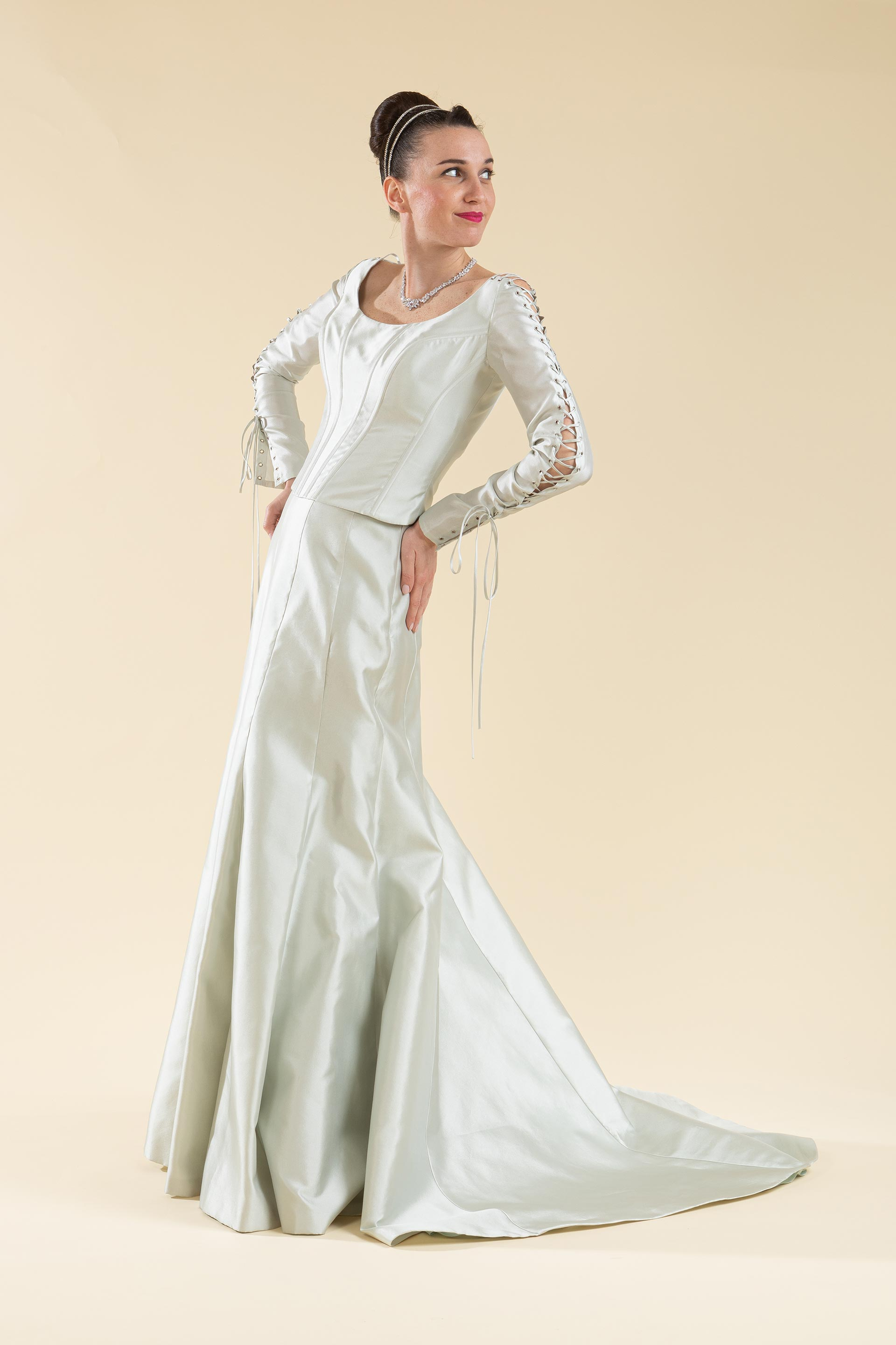 Abito sposa 2 pz. composto da bustino e gonna.