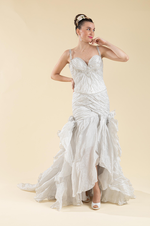 Abito sposa semi sirena drappeggiato color grigio perla