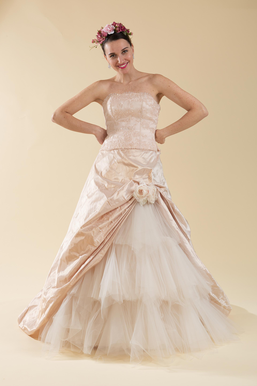 Abito sposa 2 pz. rosa composto da bustino e gonna.