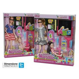 General Trade Maestra Marcella Bambola Per Bambina Con Accessori Colorata