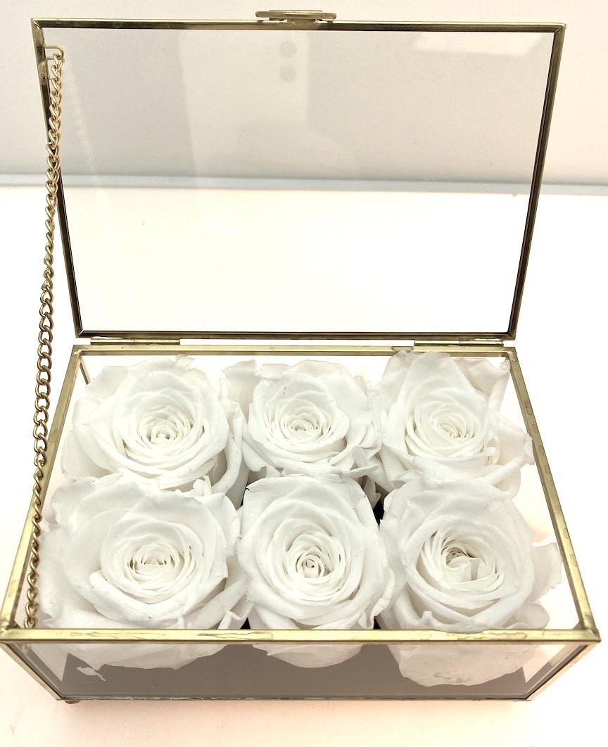 Cofanetto in vetro e ottone con rose stabilizzate
