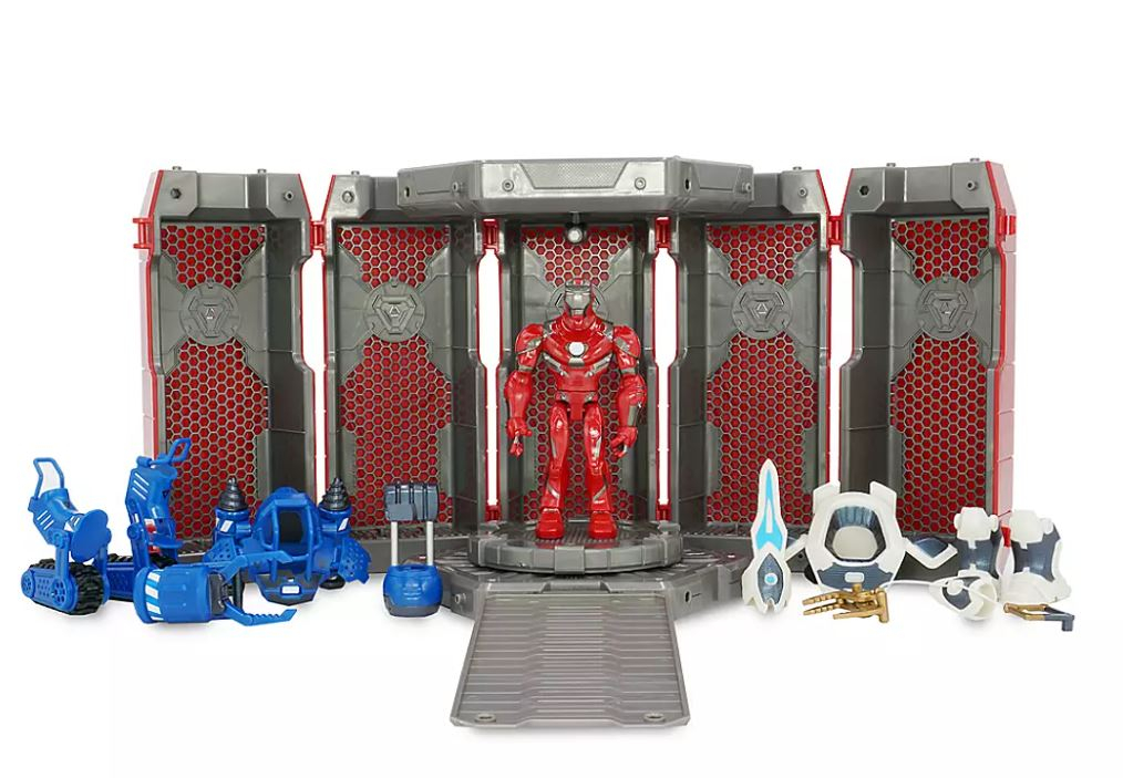 Action figure Marvel Toybox: Iron Man Hall of Armour by Disney