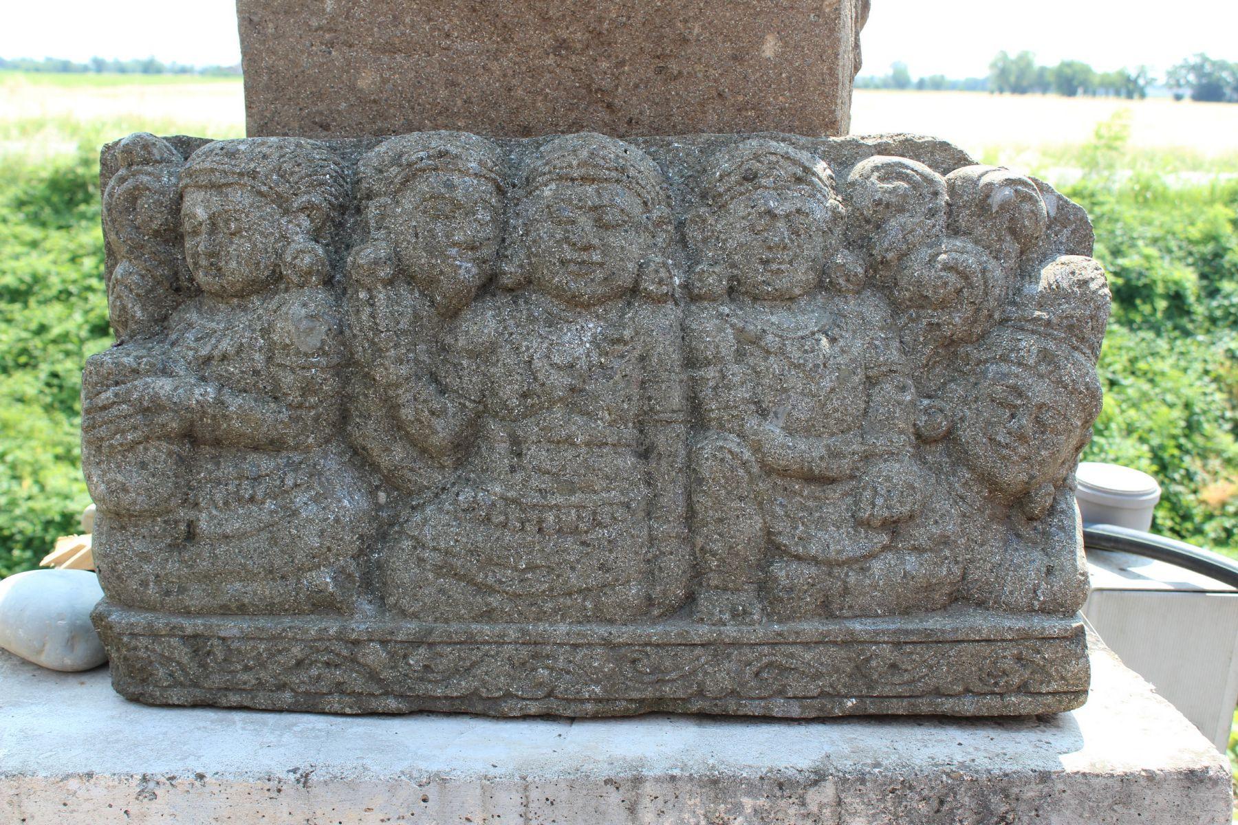 Scultura rilievo Borobudur in pietra
