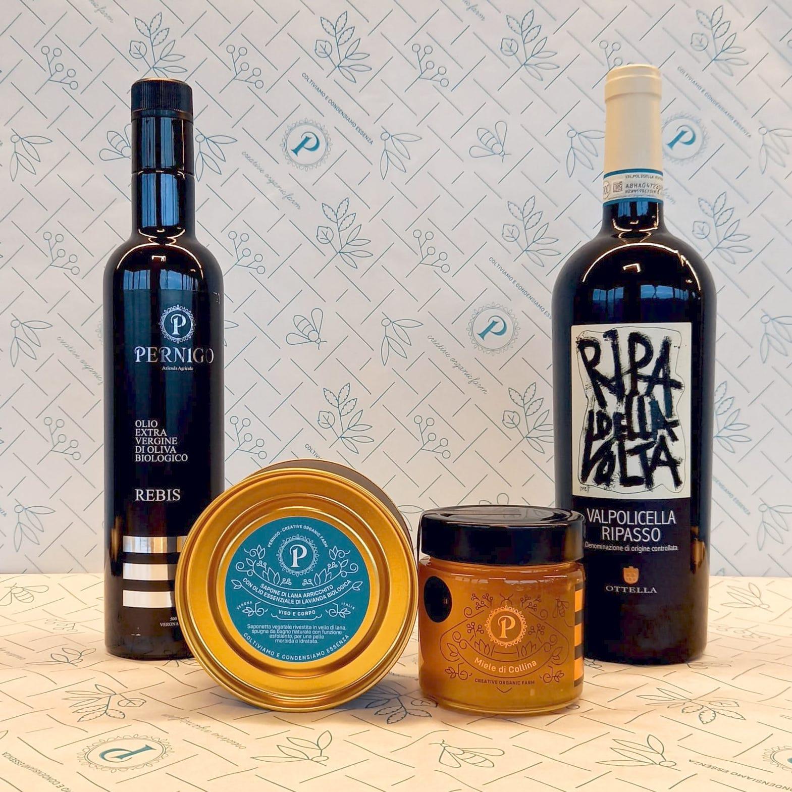 Cesto Regalo Deluxe: Valpolicella Ripasso Doc, Olio EVO Bio Rebis 0,5l, Sapone in vello di lana