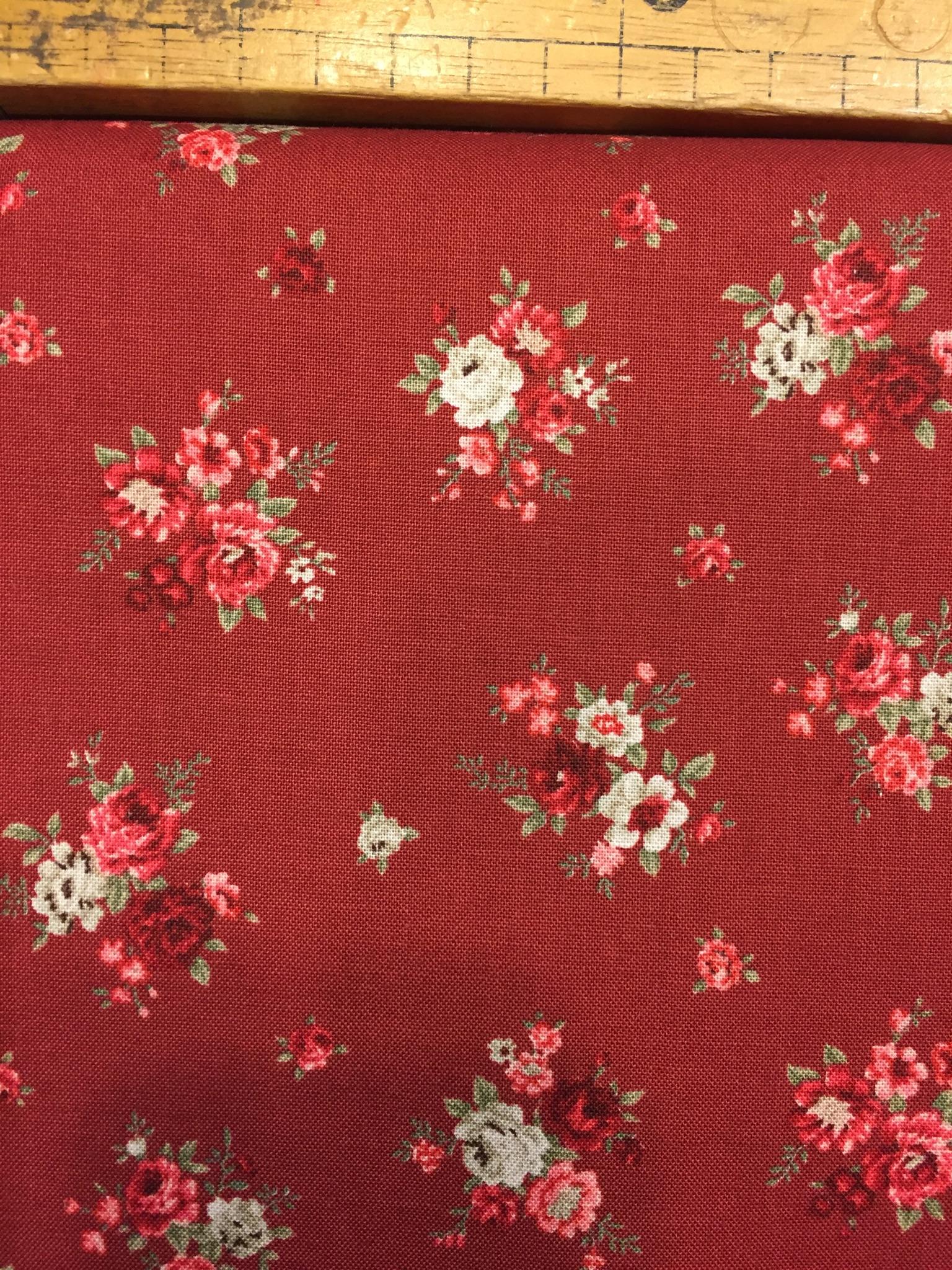 Tessuto americano fondo rosso b.rose piccole
