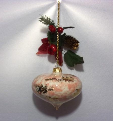 Pallina decorata in oro