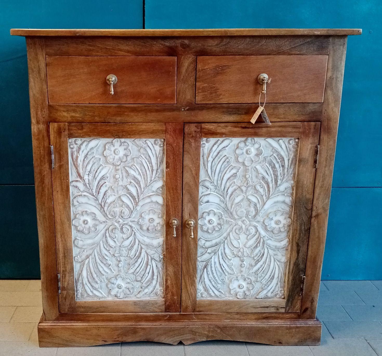 Credenza intagliata in legno di palissandro con 2 cassetti e 2 ante