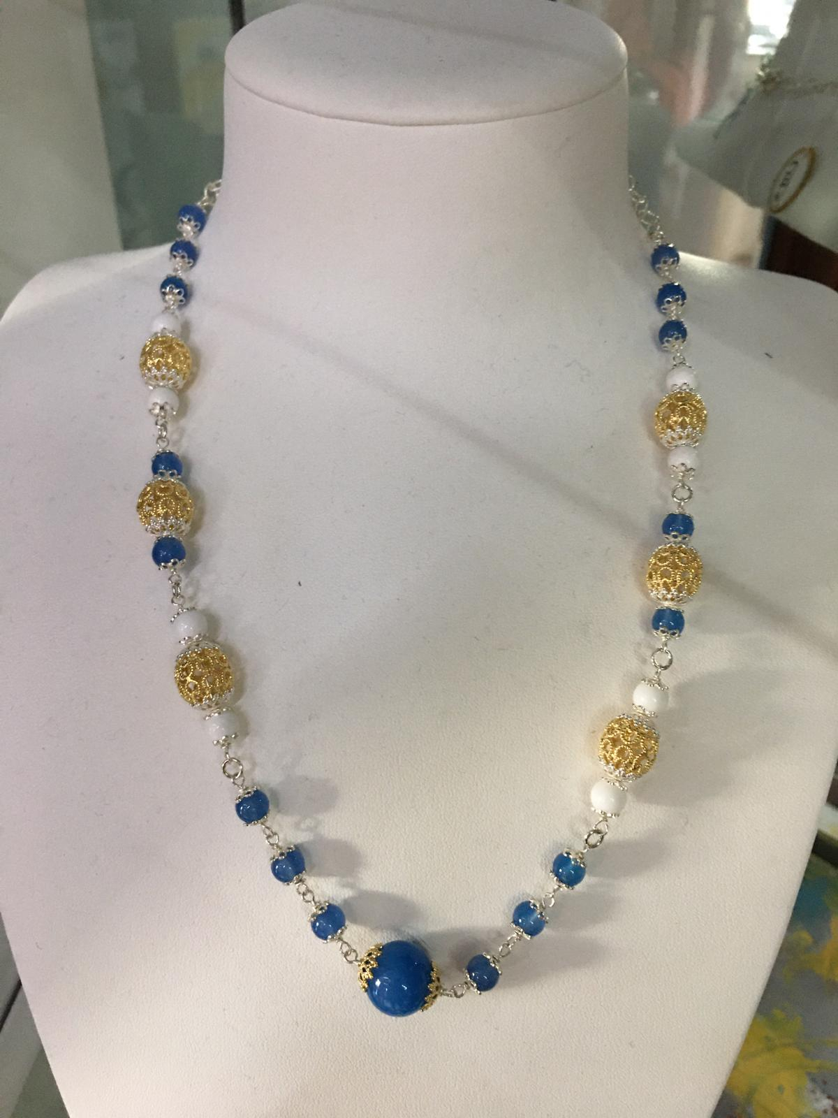 collana in filigrana in argento con agata bianca e azzurra