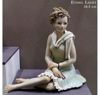Scultura in porcellana Vicentina Sibania Made In Italy Ethel Light
