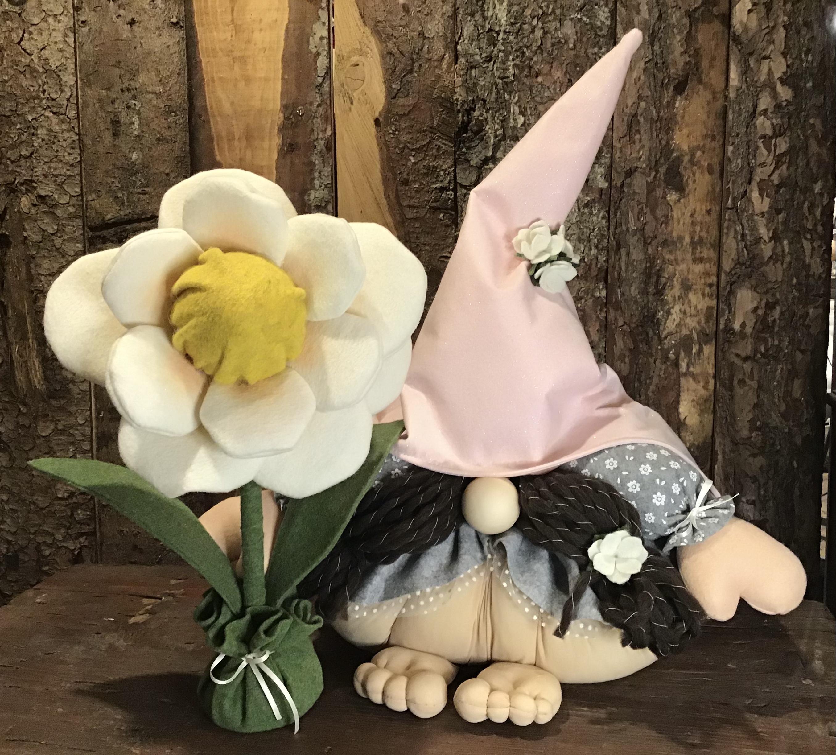 Cartamodello Gnoma Monella con fiore