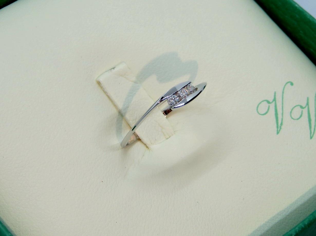 Anello Trilogy ViaVeneto in Oro bianco 18 Kt e Diamanti taglio Brillante ct 0,15