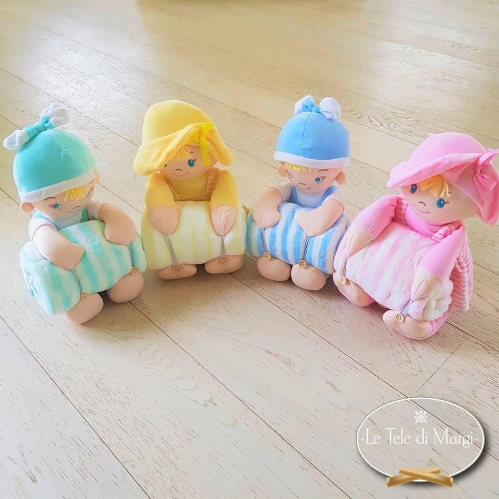 Copertina Culla con peluches bambino
