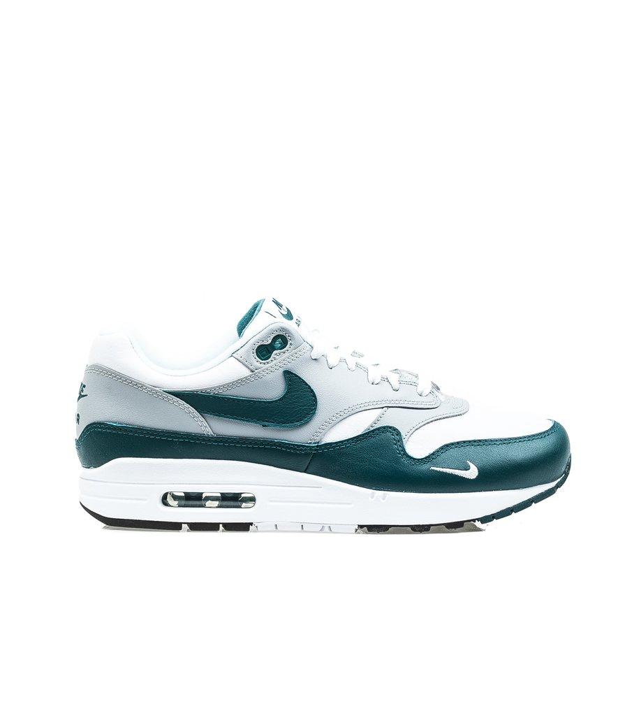 Nike Air Max 1 LIV8