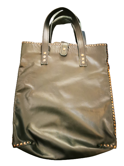 Borsa in pelle |verdone con borchie | manici corti | chiusura superiore |Made in Italy