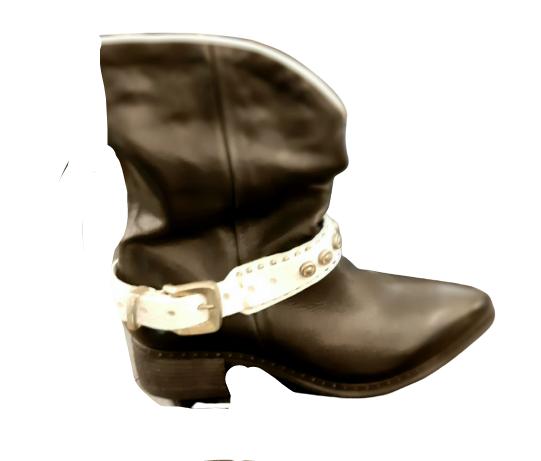 Texano donna | in pelle nera | con dettaglio fibbia bianco | altezza metà polpaccio |tacco 3 cm |fondo gomma | Made in Italy