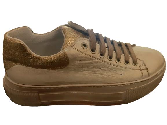 Sneakers donna |in pelle bianca sporcata | dettagli glitter rame | suola alta | cerniera laterale interna |Made in Italy