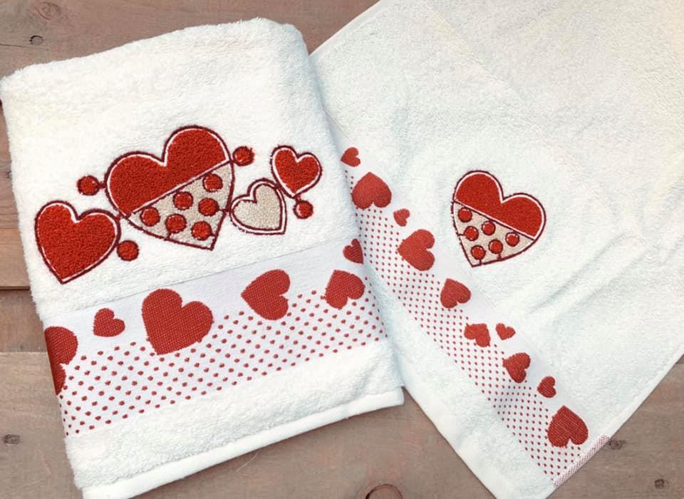 Asciugamani bagno cuoricini rossi