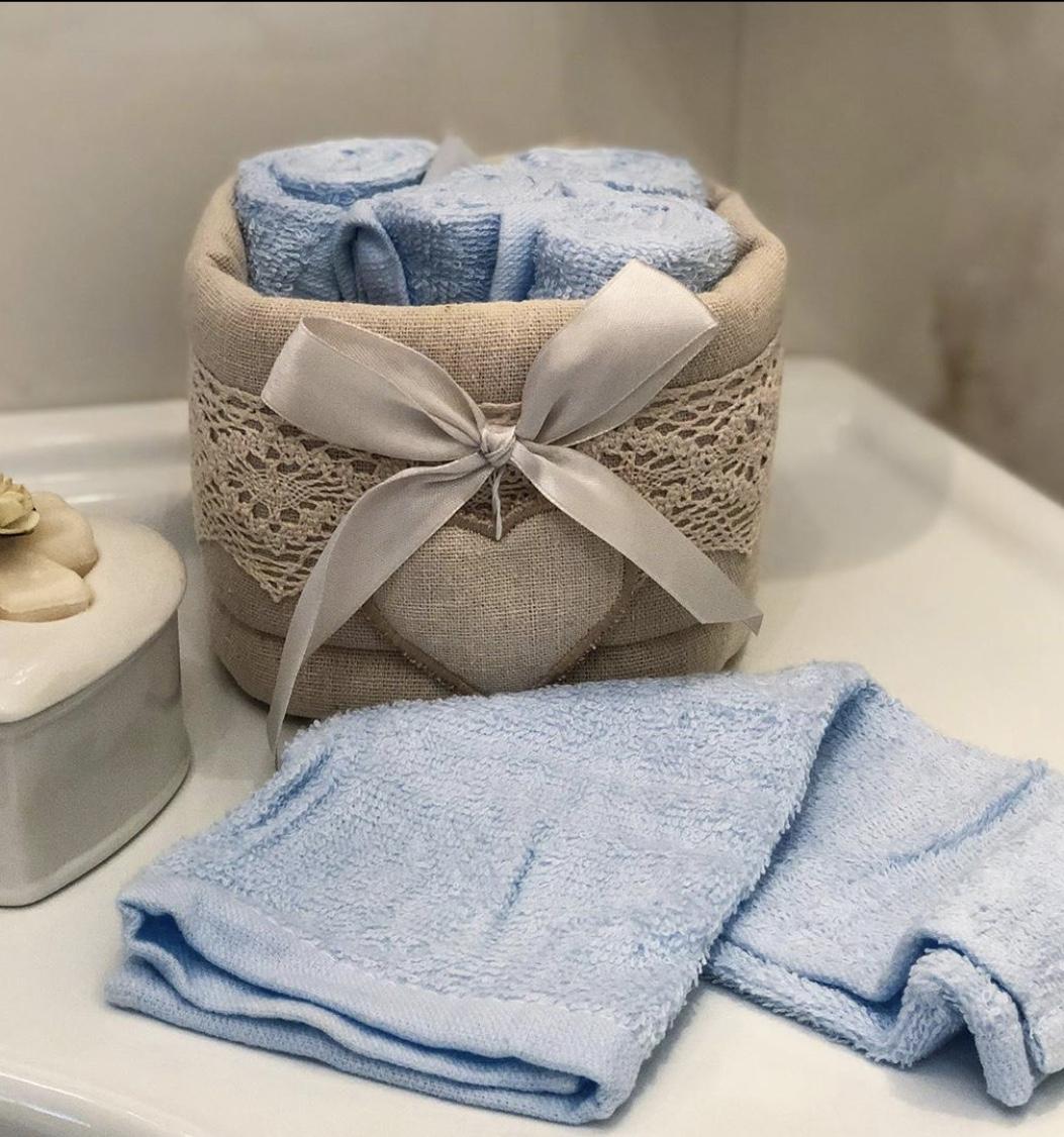Cesta fiocchetto con lavette