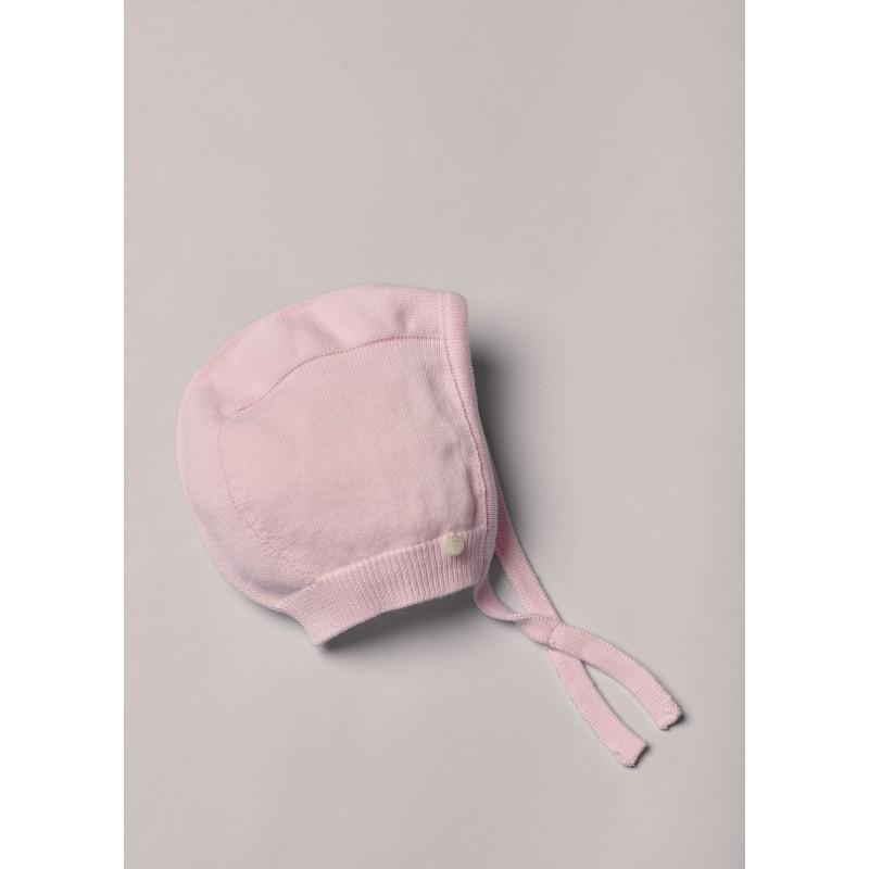 Cuffia in maglia di cotone leggero, ottimo per neonati e bambine. Il cofano in maglia ha un nastro da legare sotto il mento. Prodotto in intero, un pezzo unico senza cuciture, per il massimo comfort per il tuo bambino.