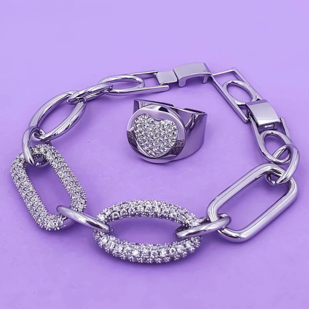 Anello in acciaio con cuore in cristalli Rush