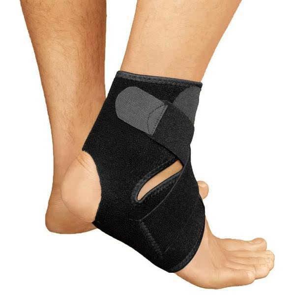 Distorsione alla caviglia: cosa fare