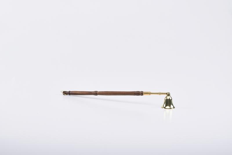 Spegnicandele manico in legno cm. 37
