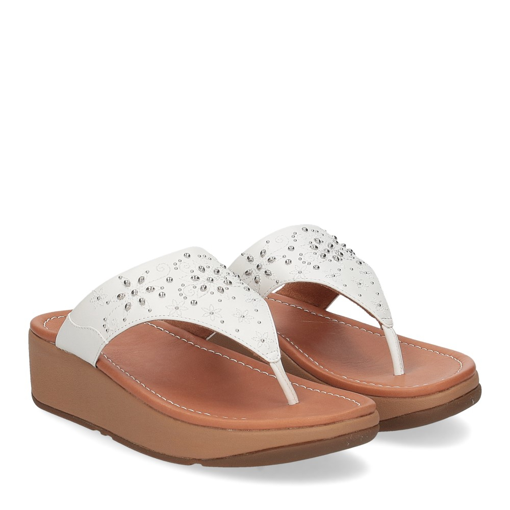 Fitflop Mya Floral stud toe thongs urban white