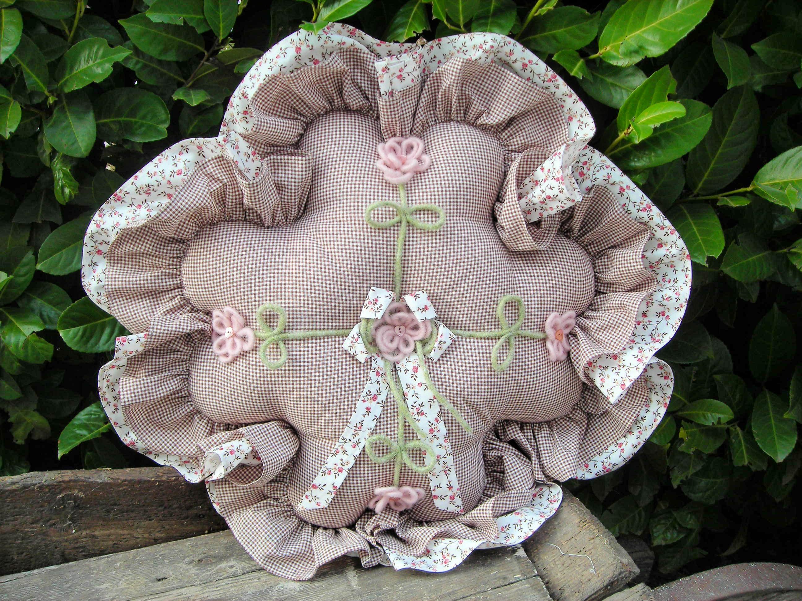 cartamodello cuscino fiore