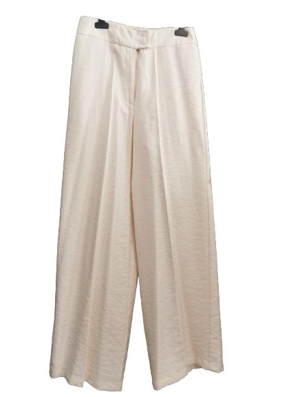 Pantalone donna panna |in viscosa | modello largo di gamba | con tasche laterali |abbottonatura con cerniera anteriore  e bottone | Made in Italy