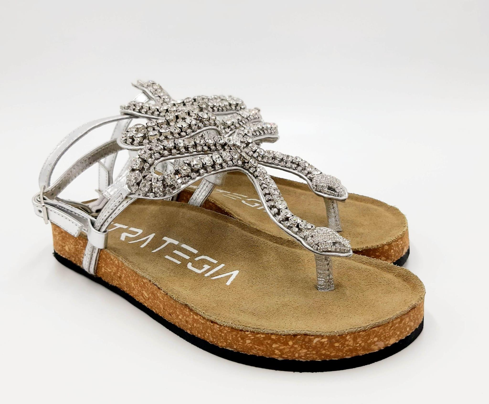 Sandalo con serpente in cristalli pelle argento Strategia