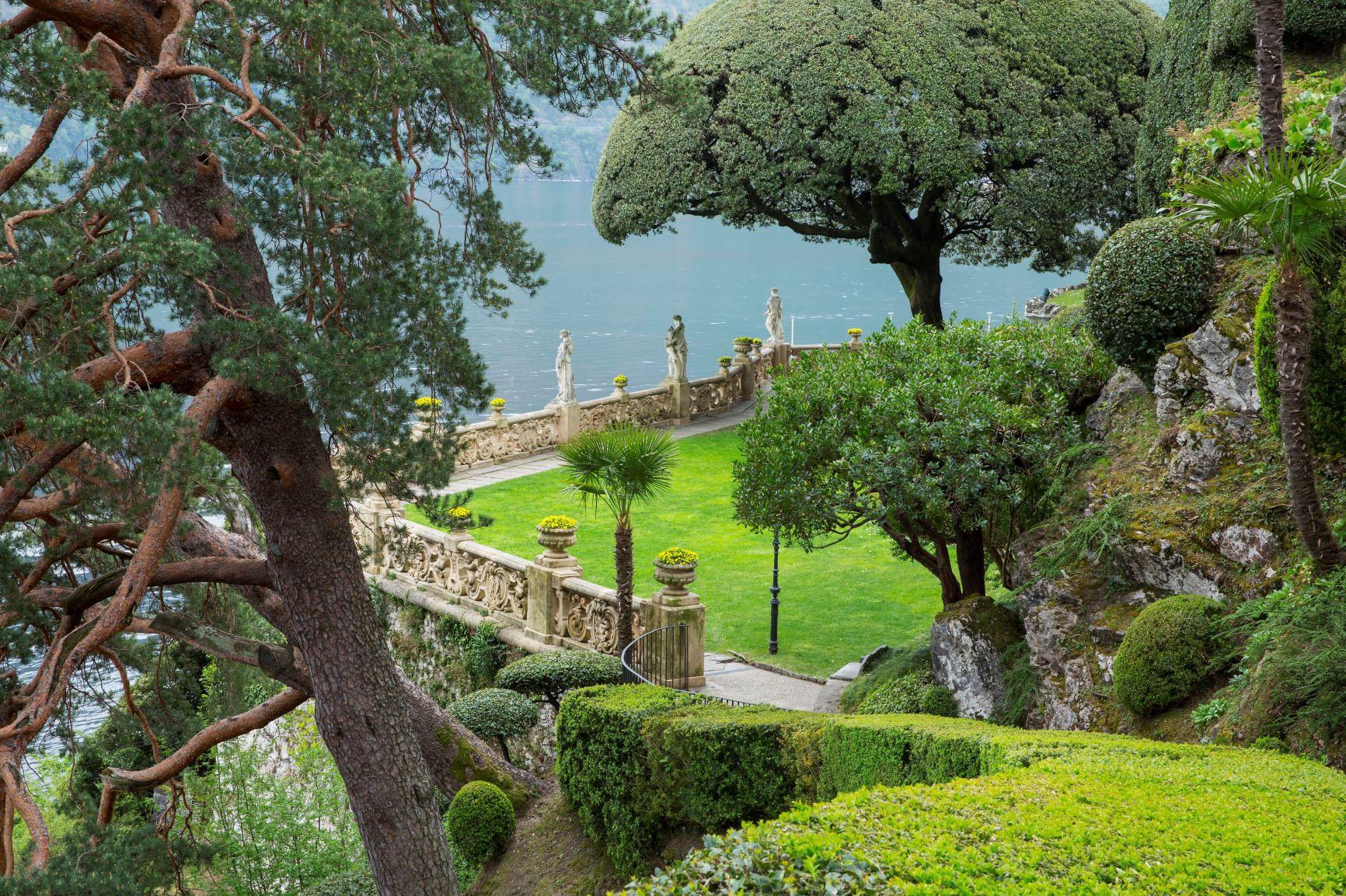 Romantic weekend among History and Design on Como lake