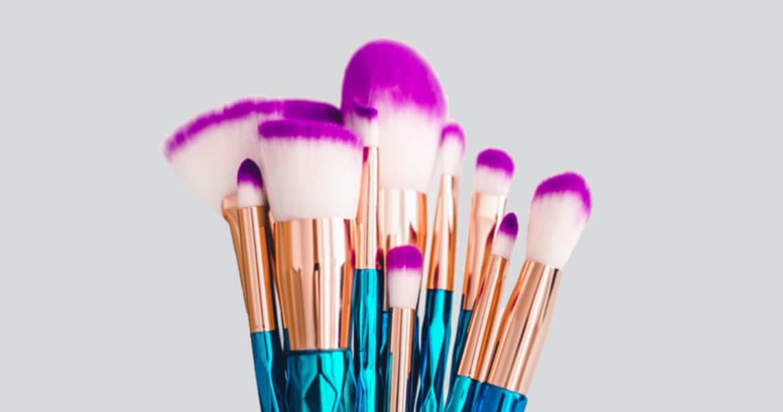 Come usare i pennelli per il make-up