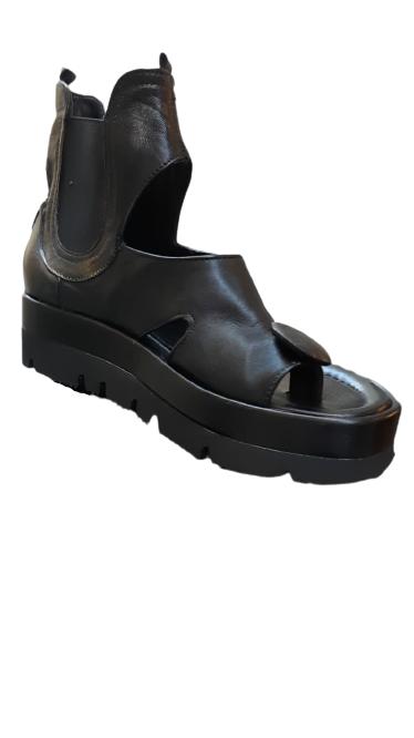 Sandalo donna pelle nera infradito a bottone suola alta Made in italy