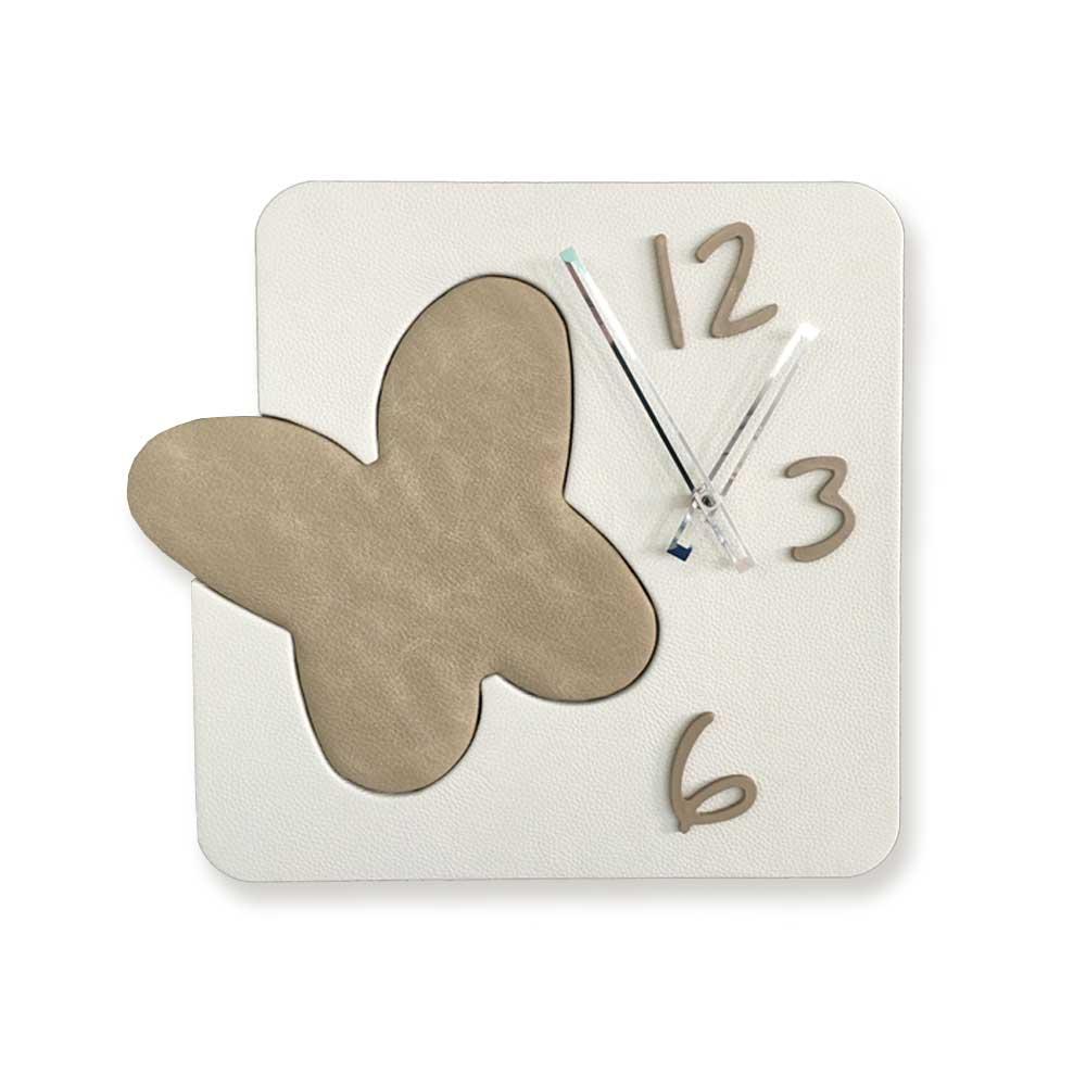 Orologio da parete Farfalla in ecopelle bianco tortora 43x47 stile contemporaneo