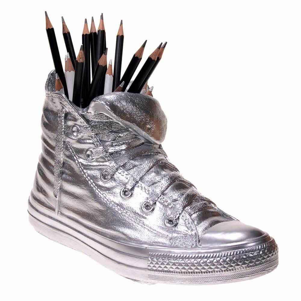 Vaso Portaoggetti Portapenne Sneakers Jody in resina cromo Made in Italy