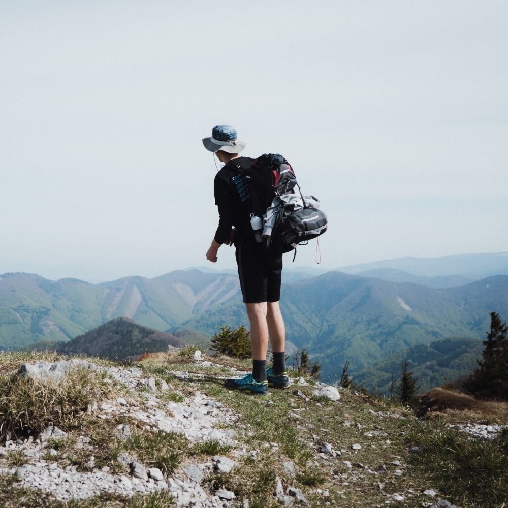 Garmont - THE TOP 5 ITEMS TO BRING ON A HIKE