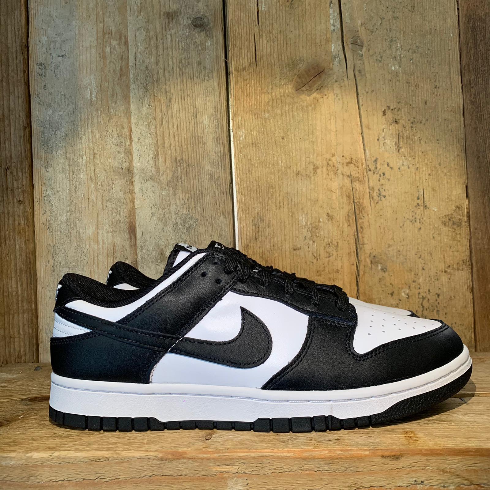 Scarpa Nike Dunk Low Retro White Black