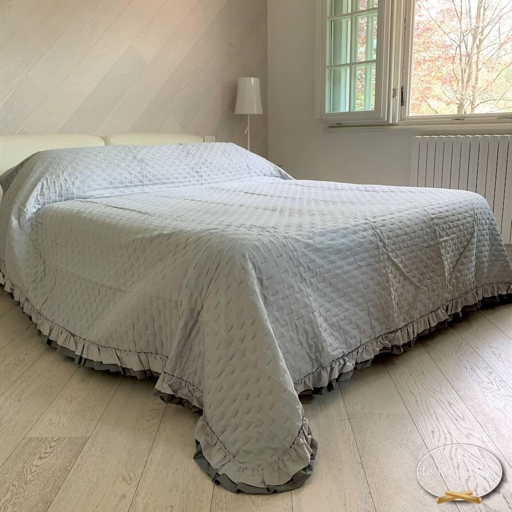 Copriletto Trapuntato Arles con Frill grigio