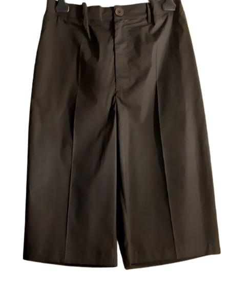 Bermuda donna al ginocchio| cotone nero| tasca laterale|Made in Italy