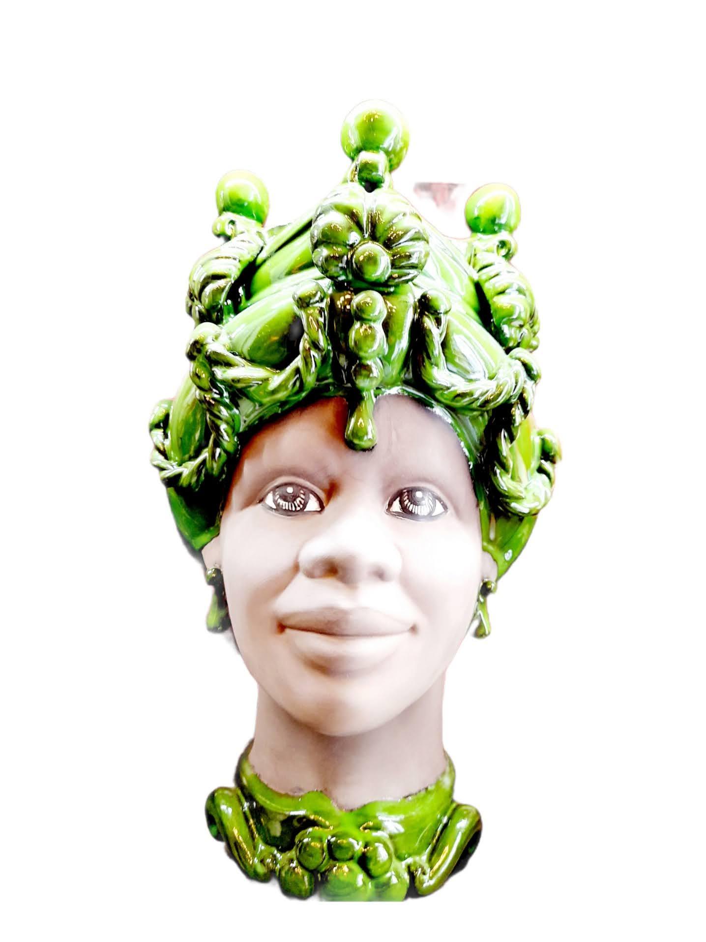 Testa di Donna con Turbante Verde Speranza