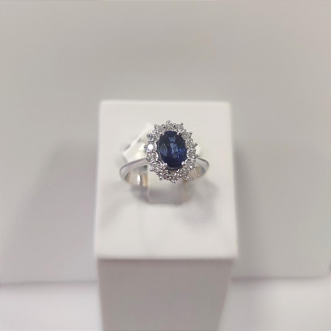 Anello zaffiro diamanti